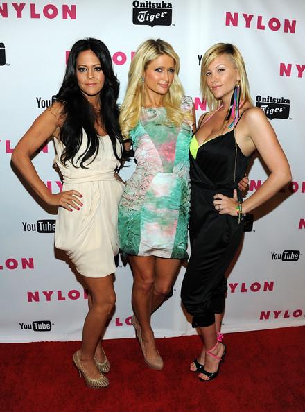 Paris+Hilton+NYLON+Magazine+May+Young+Hollywood+uFZfXrRsZaGl
