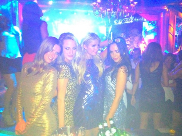 Girls-night-out-on-the-town-with-my-beautiful-family-nickyhilton-whittles2-farrahbritt-at-xslasvegas-girlsrule-paris-hilton-600x450