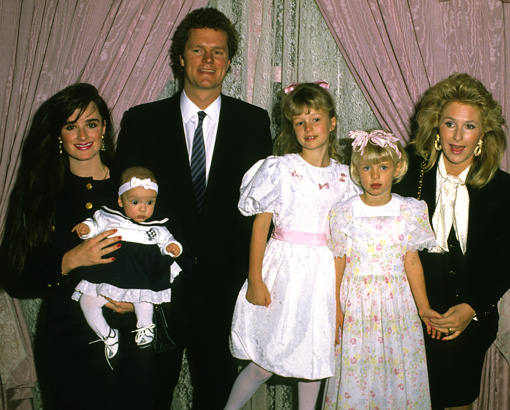 Kyle-richards-young-paris-hilton-nicky-hilton-family-photo-GC